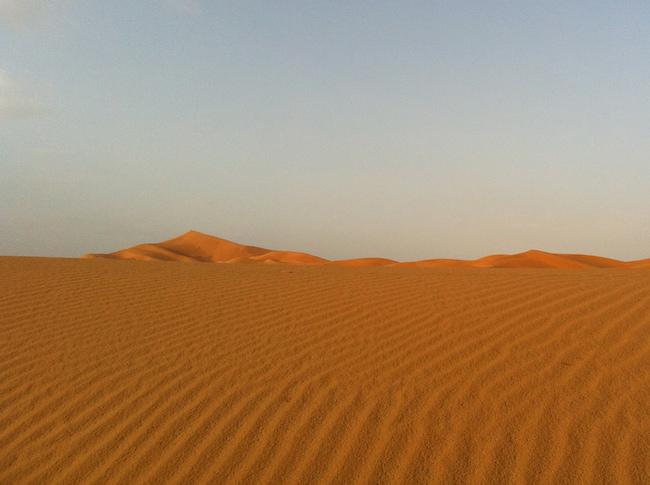 サハラ砂漠 砂のさざ波