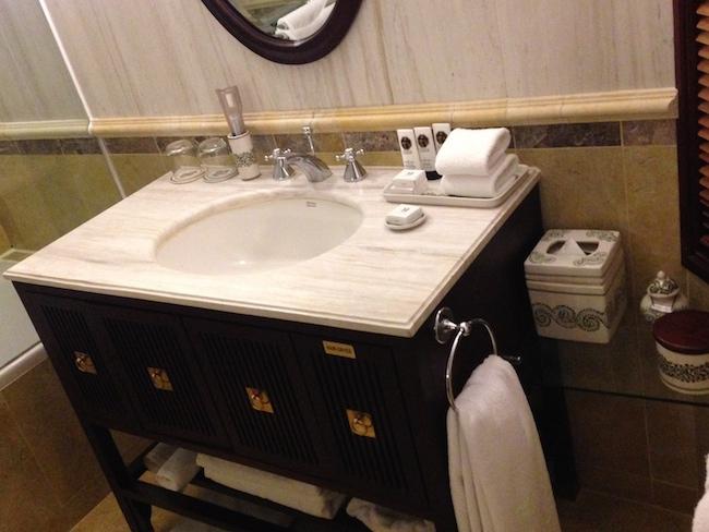 ソフィテルレジェンドメトロポール旧館 バスルーム