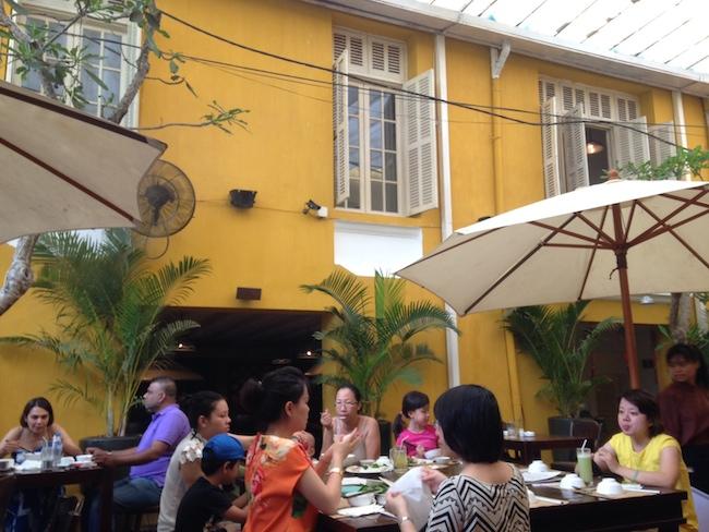 Nha Hang Ngon 中庭