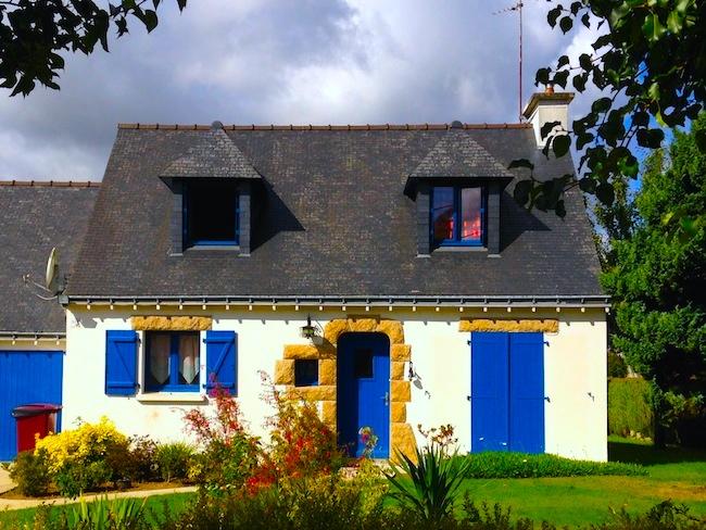 フランス ブルターニュのお家 ブルー