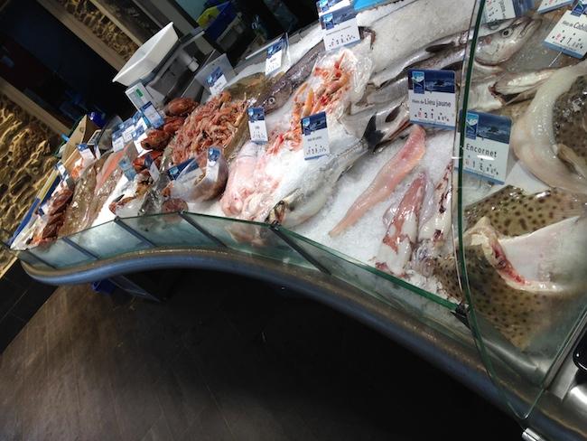 フランス ブルターニュ 魚屋さん