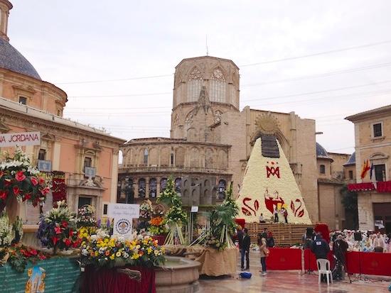 fallas-procession-maria