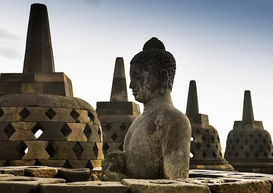 borobudur-buddha1