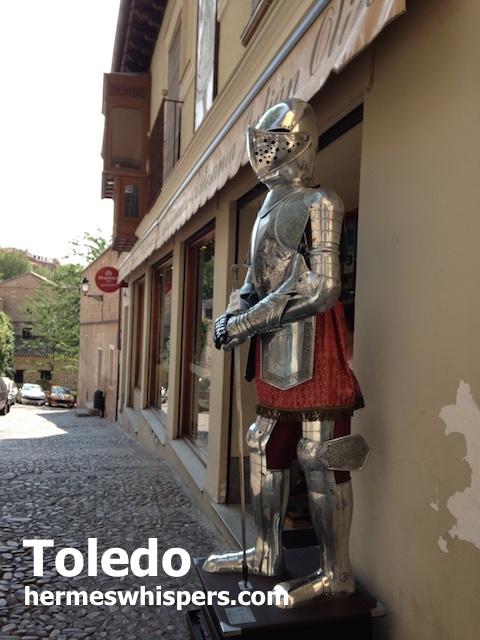 ファンタジーで超かっこいい城塞都市トレドの武器屋街へ!紀元前からの剣の歴史