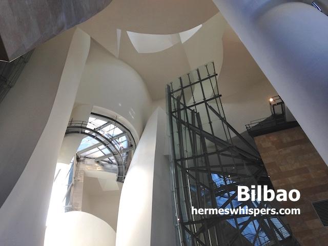 【完全ガイド】④ビルバオグッゲンハイム美術館|内観は船@スペイン